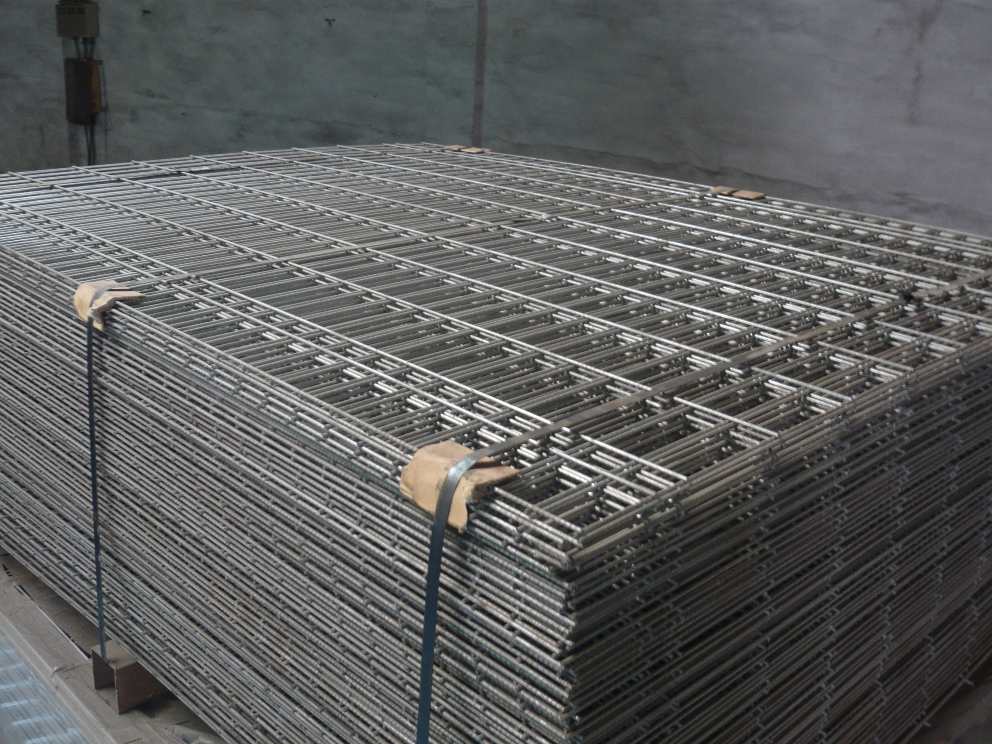 High Quality hot dipped galvanized welded wire mesh | qunkun